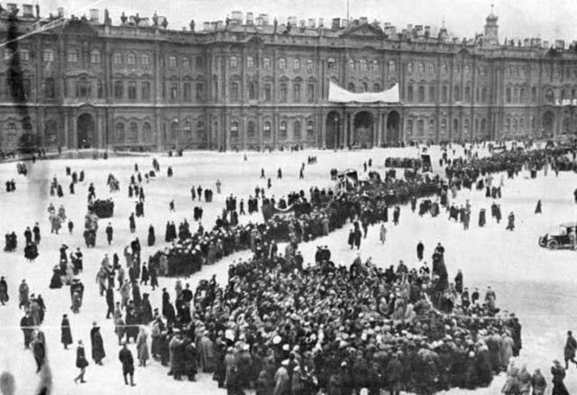 Februari-revolutie(volgens oude jaartelling was het op 27 februari)