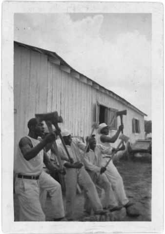 """Long John"": Lightning Washinton and fellow convicts"