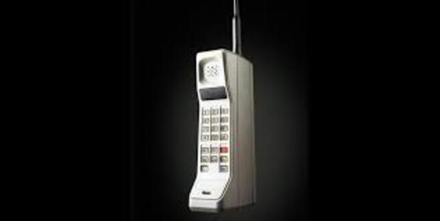 Motorola DynaTAC 8000X: Primer Celular