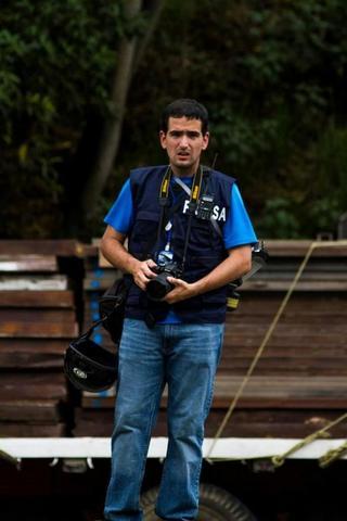 Detienen y maltratan a reportero gráfico de El Nuevo País