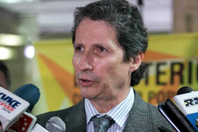 Detenido Carlos Rosales por denunciar escasez de insumos y crisis generalizada del sector salud