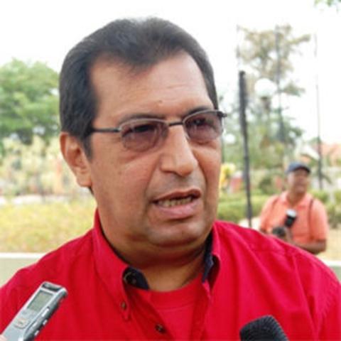 Adán Chávez ordena salida del aire de programa de radio