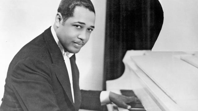 "Duke Ellington: ""East st. louis toodle-oo"""