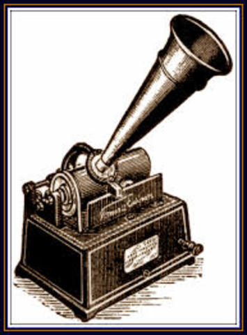 Electronic recordings begin with introduction of the microphone