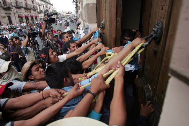 Michoacán se levanta en armas contra el narcotráfico