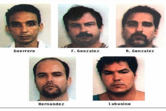 EEUU captura a cinco agentes cubanos que espiaban a grupos anticastristas. Son condenados a largas penas de prisión.