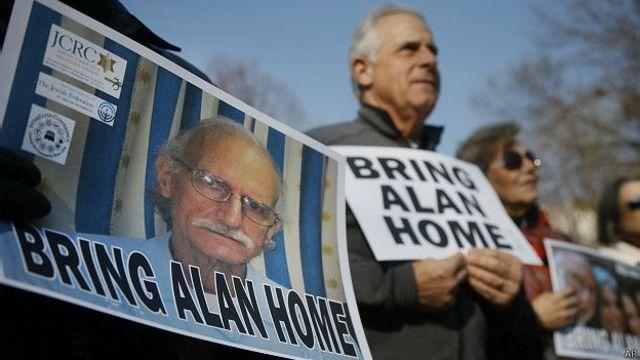 Es detenido en La Habana el subcontratista estadounidense Alan Gross, que había viajado a la isla para distribuir material de comunicación a grupos civiles. Es condenado a 15 años de prisión.