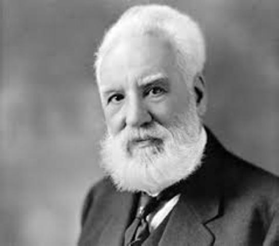 Alexander Graham Bell patenta la invención del teléfono