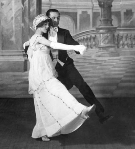 The Tango Gains Popularity
