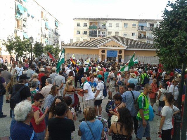 12.000 personas marchan con el SAT