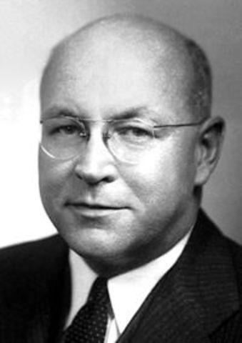Wendell Meredith Stanley consigue cristalizar el virus del mosaico del tabaco (que permaneció activo después de la cristalización