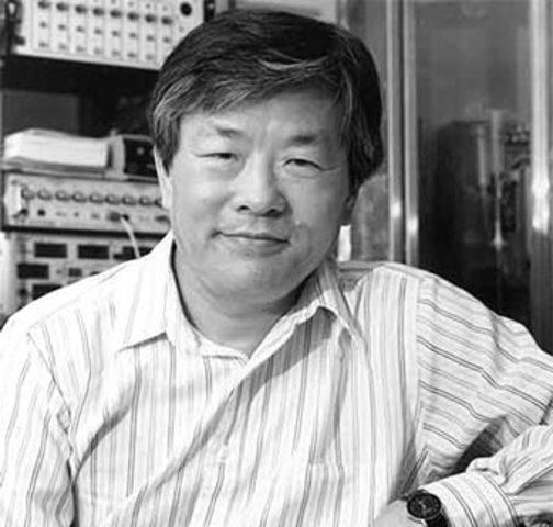 """japonés Susumo Tonegawa   principio genéticopara la generación somática en la diversidad de los anticuerpos,determinando los segmentos de ADN que regulanla formación de las regiones """"V"""" (variable) y """"C""""(constante"""