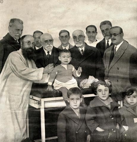 albert , c. calmete y camille guerin producen la vacuna contra la tuberculosis