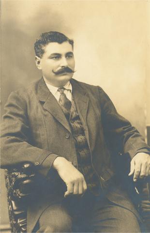 Eulalio Gutiérrez asume el cargo de presidente.