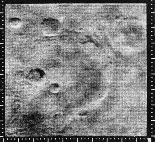Mariner 4 flies by Mars!