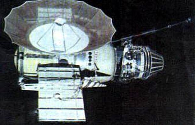 Venera 4 transmits data about the atmosphere of Venus