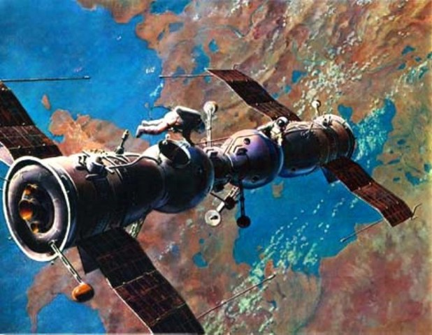 Soyuz 4 and 5 perform the first Soviet space docking