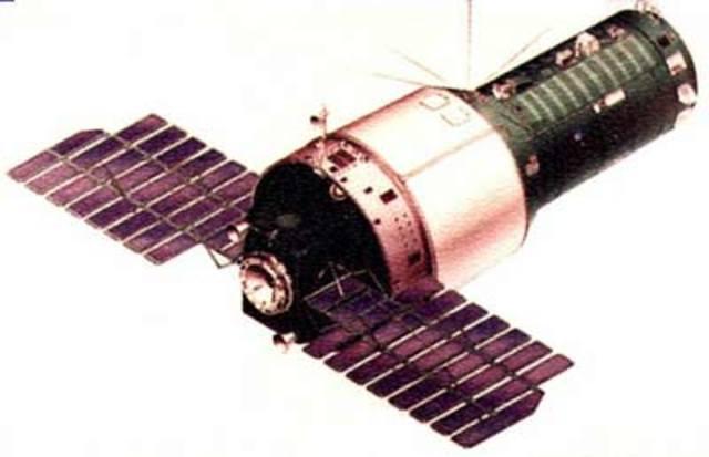 USSR launch Salyut 3