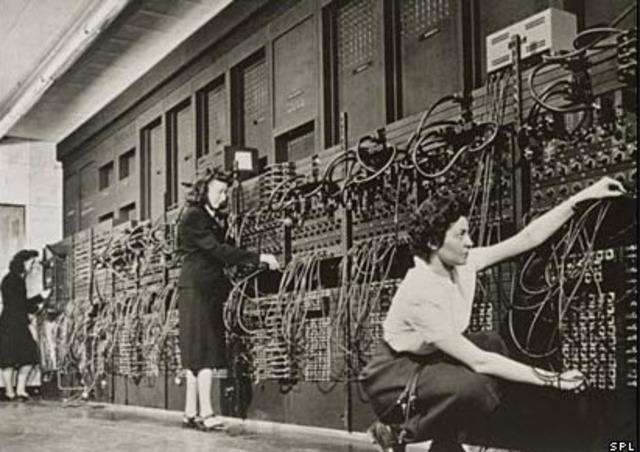 ENIAC (Integrador Numérico Electrónico e Informático).