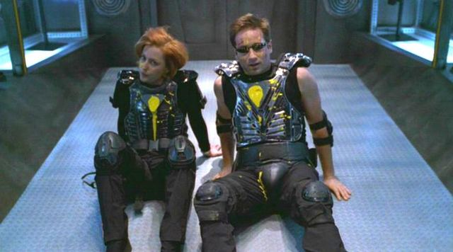 """The X-Files S07E13 """"First Person Shooter"""" (TV Series)"""
