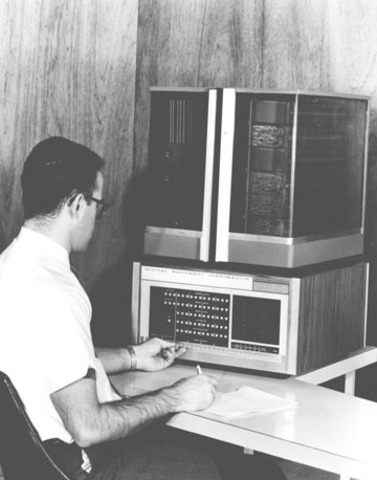 Microcomputadora de 16 bits.