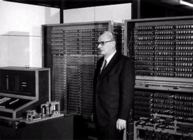 Primera computadora electro-mecánica completamente funcional del mundo.