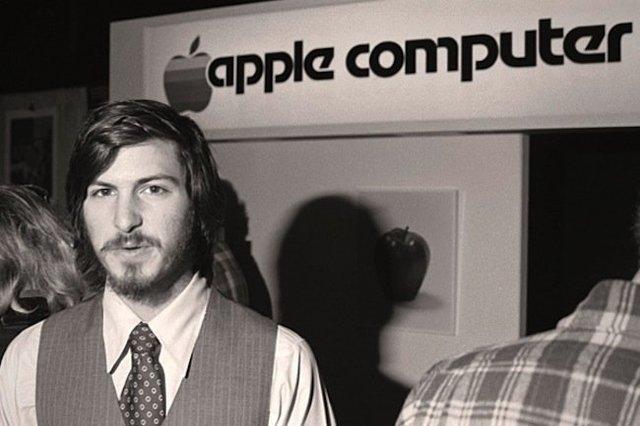 Steve Jobs construye la Apple I