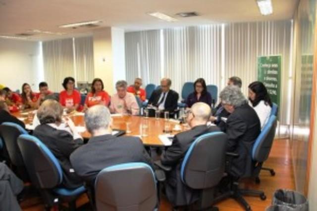Em reunião com ANDES, MPOG reprisa proposta, que é negada