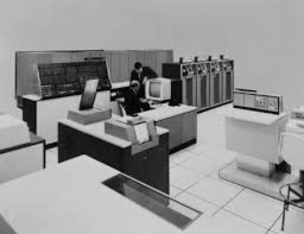 TAMAÑO DE COMPUTADORAS 1964-1971