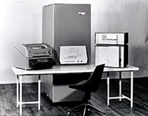 Primer minicomputador
