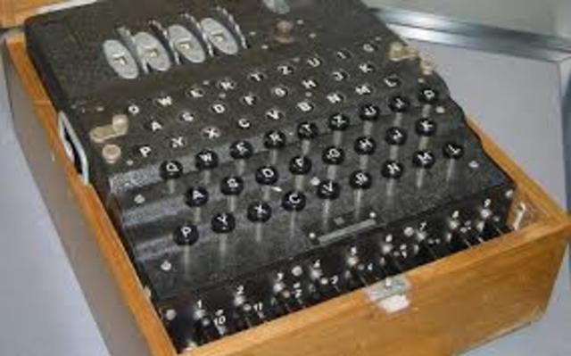 Expertos en el ejército Británico dirigido por Alan Turing. Construyó colossus, un computador que permitía descifrar en pocos segundos y automático los mensajes secretos de los nazis. Durante la segunda guerra mundial cifrado por la maquina enigma