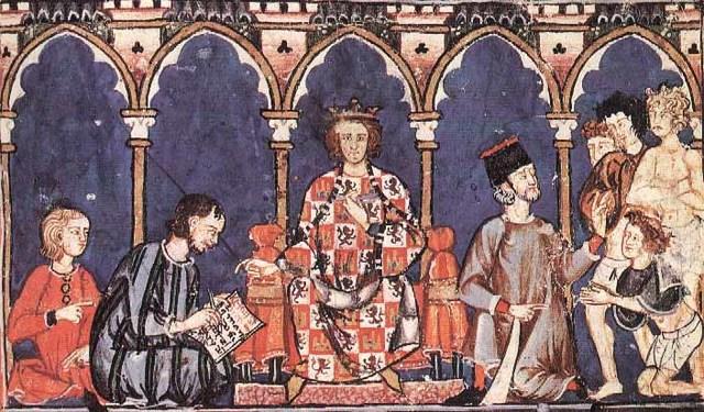 Rey era sumo sacerdote y máxima autoridad.