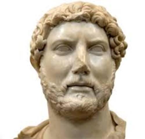 El emperador Adriano decidió codificar y recolectar los edictos de los precesores y se le dio nombre de edictro perpetuo, con lo cual se estanco el derecho honorario que fue despareciendo lentamente.