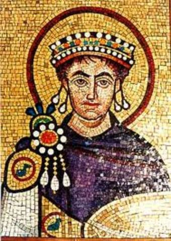 Justiniano (482-565) emperador bizantino que llego al poder en 527, Su objetivo fue restaurar el antiguo imperio romano.