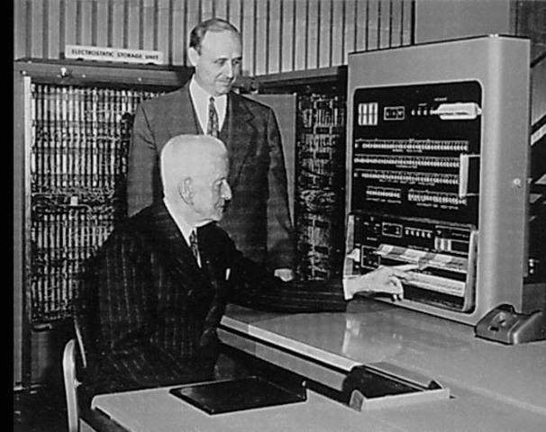 Creación de la computadora IBM 701