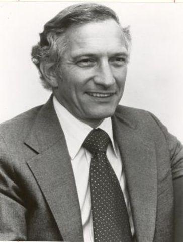 Robert Noycea