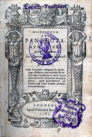 Las compilaciones recibieron el nombre de DIGESTO la obra se dividio en 50 libros los cuales se dividian en titulos. se publico en 533.