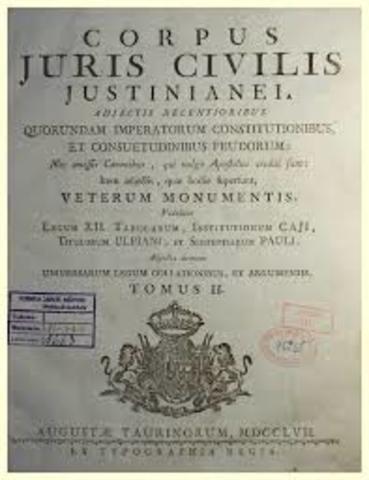En 533 se publico la obra intitulada INSTITUTAS (instituciones) destinado a la enseñanza del derecho, se baso en la instituciones de Gayo y algunas de las obras de la literatura clasica y posclasica.