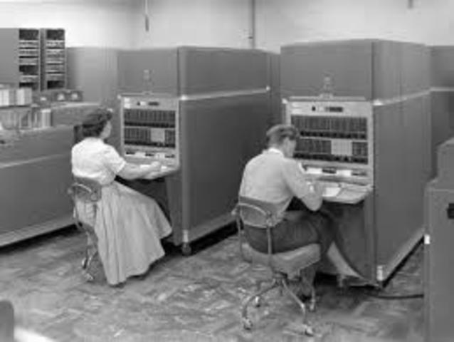 Comenzó el uso de las computadoras en empresas