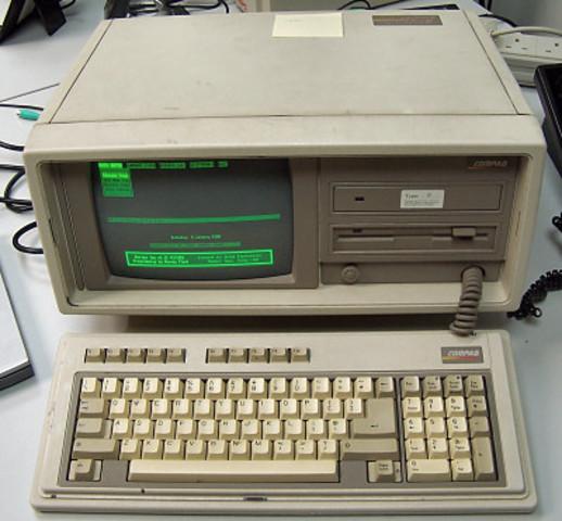 Compaq pone en venta la PC compatible Compaq Portable II, mucho más ligera y pequeña que su predecesora, usaba microprocesador de 8 MHz y 10MB de disco duro, y fue 30% más barata que la IBM PC/AT con disco rígido.
