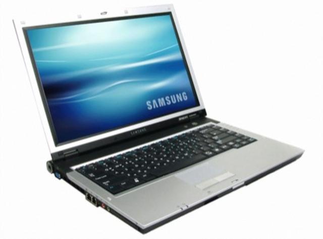 La empresa Dell lanza al mercado la primera computadora portátil (laptop) con el sistema operativo Ubuntu Linux preinstalado. La empresa de Steve Jobs, Apple, lanza al mercado la nueva versión el Mac OS X Leopard 10.5
