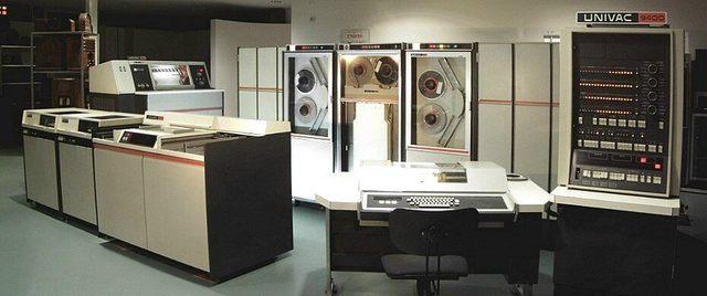 Univac 9400 mainframe computer
