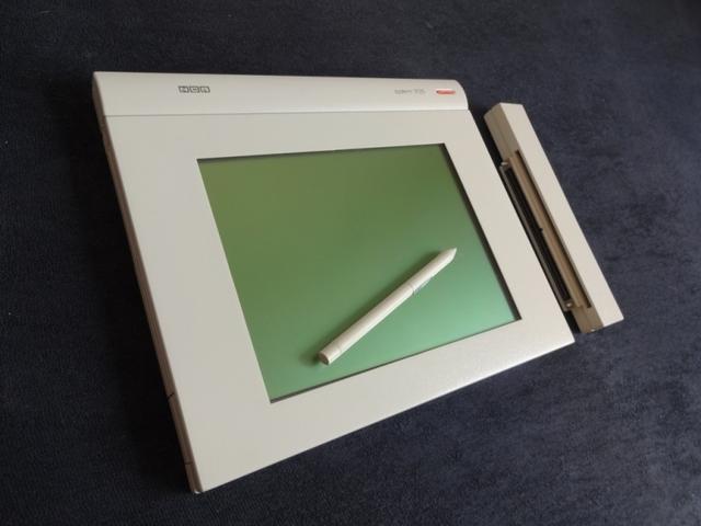 NCR exhibio su nuevo microcomputador sin teclado