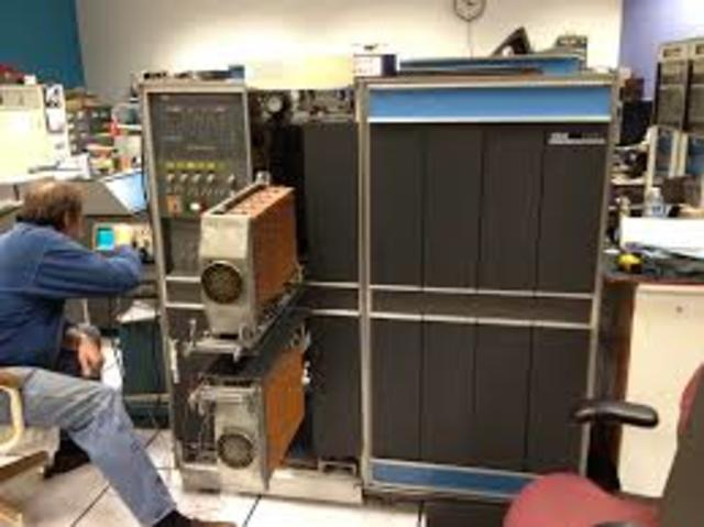 IBM envió el mainframe IBM 1401