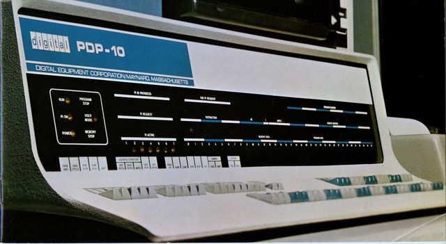 DEC introduce la computadora PDP-10.