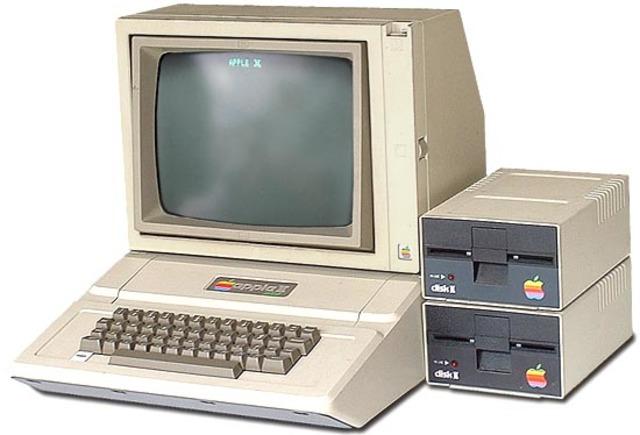 Se lanza Apple II