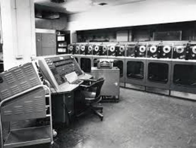 Se crea UNIVAC I