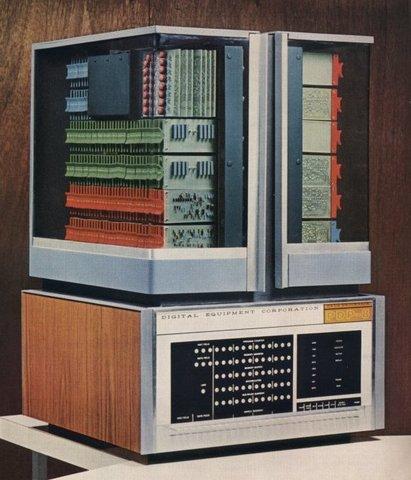 PDP-8 COMERCIALMENTE EXITOSA