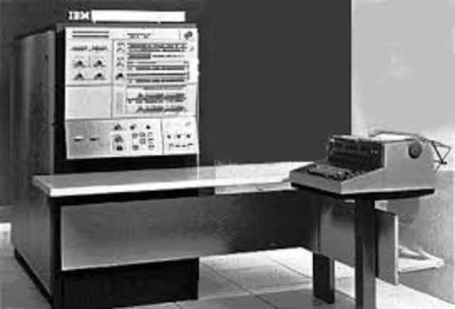 El primer modelo de la computadora IBM 360.
