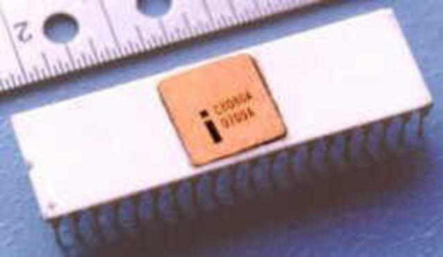 La compañía INTEL crea el primer chip de 4 bits, el cual contenía una gran cantidad de transistores.